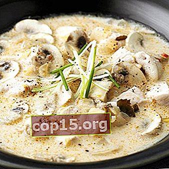 In de pan gekookte champignons